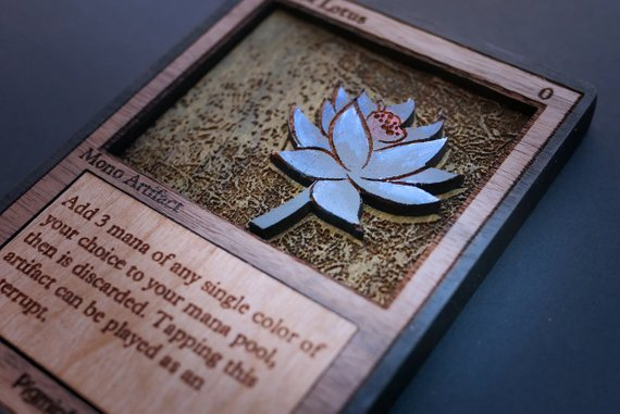 マジック:ザ・ギャザリングの超プレミアカード「ブラックロータス」が木製カードなった