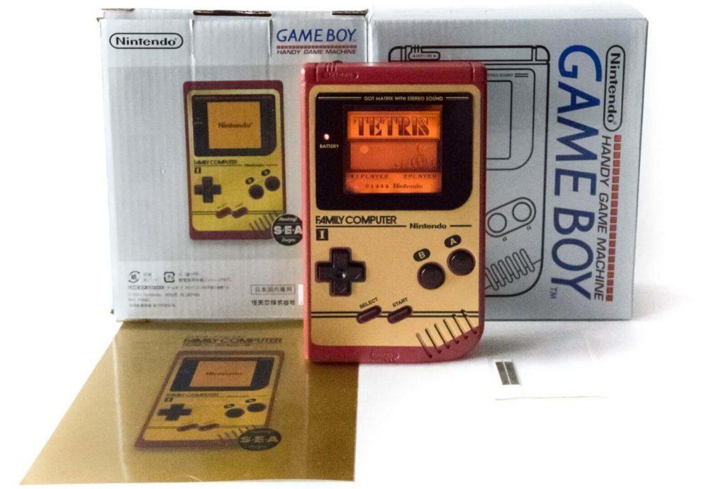 ファミコンエディションの初代ゲームボーイ