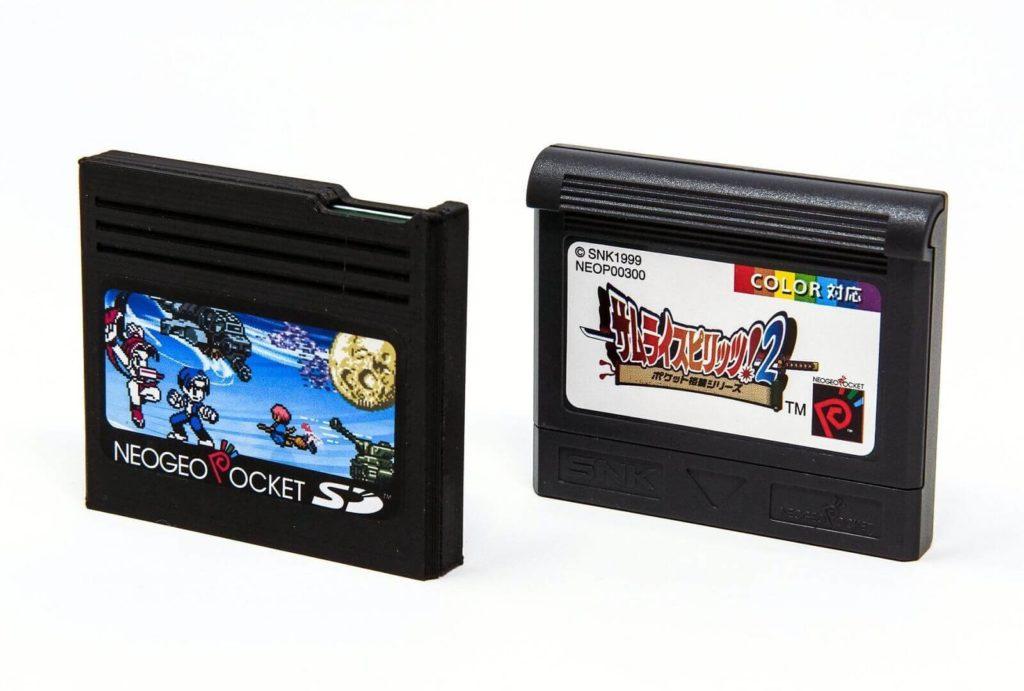 NeoGeo Pocket SDと一般カートリッジ