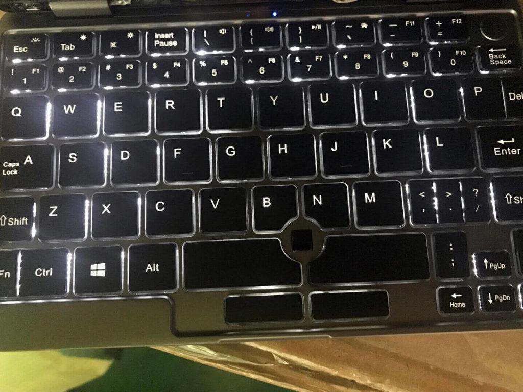 CHUWI MiniBookのファクトリーモデル